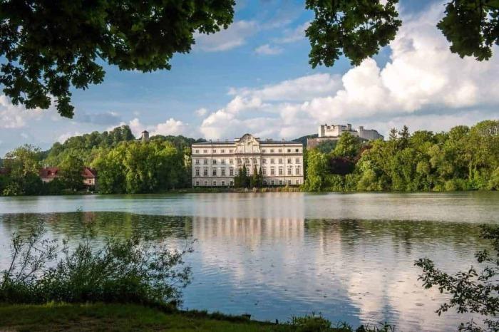 Leopoldskron Slot - Hotel Kirchenwirt i Puch nær Salzburg, Østrig