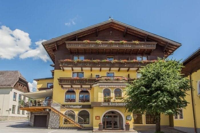 Hotel Gasthof Kirchenwirt - Hotel Kirchenwirt i Puch nær Salzburg, Østrig
