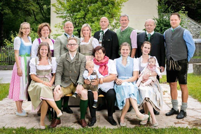 ✰ Hotel Kirchenwirt in Puch bei Salzburg, Österreich ✰